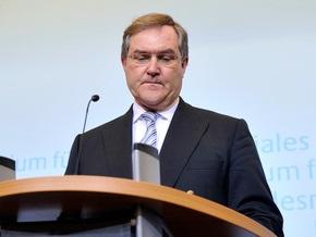 Немецкий министр, обвиненный в сокрытии правды о гибели мирных афганцев, подал в отставку
