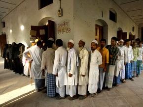70 млн жителей Индии проголосовали на выборах. Своей очереди ждут еще 600 млн человек