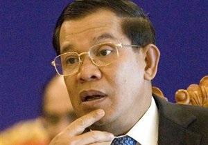 В Камбодже шесть министров во главе с премьером заболели свиным гриппом