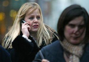 Ученые: Мобильные телефоны могут предотвращать болезнь Альцгеймера