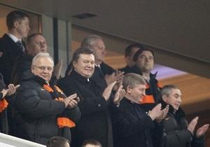 Источник: Вместо открытия больницы в Луцке Янукович полетит на футбол в Донецк
