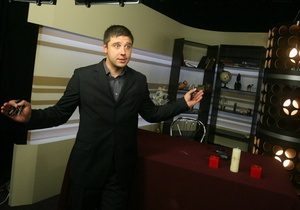 Корреспондент: В Украине телешоу с гадалками и астрологами приносят миллиарды