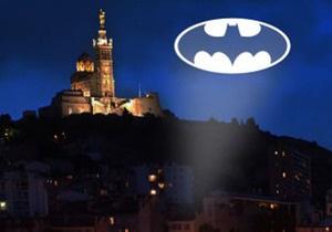 Жители Марселя просят Бэтмена разобраться с преступностью