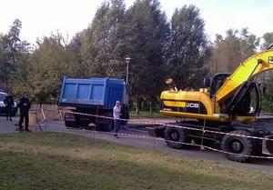 Жители одного из районов Киева бьют тревогу в связи с начавшимся строительством в парке Победы