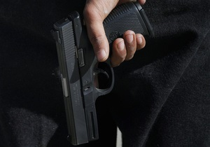 Во Франции в результате перестрелки в ночном клубе пострадали восемь человек