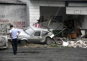 В Китае пьяный машинист погрузчика разгромил офис и магазины: 11 погибших