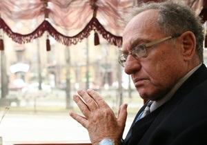 Дершовиц рассказал Корреспонденту, почему согласился защищать Кучму