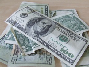 На межбанке продолжается падение доллара