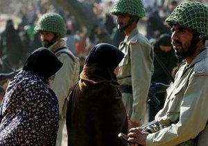 В отеле в центре столицы Пакистана прогремел взрыв