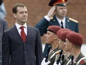 Медведев поздравил граждан Грузии с Днем Победы