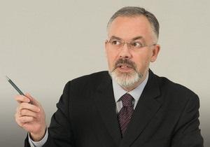 Табачник распорядился создать русские классы в украинских школах Горловки и Луганска