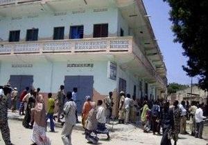 Атаковавшие отель в Могадишо боевики застрелились