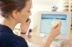 Украинцы хотят страховать здоровье и считают, что покупки через Интернет экономят время