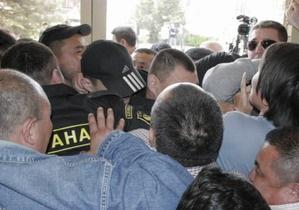 В столице Калмыкии полиция отбила штурм мэрии