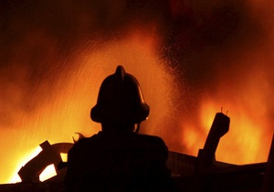В Киеве горит развлекательный центр