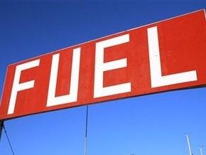 В США цена на бензин упала до минимума за два года