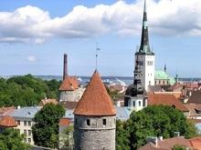 В Таллине националист самовольно демонтировал два советских монумента