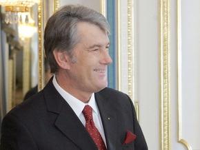 Ющенко: НБУ не может  регулировать курс гривны