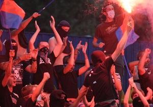 В центре Киева произошла драка футбольных фанатов: есть пострадавшие