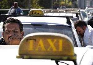 В Каире протестующие таксисты штурмовали министерство финансов