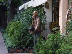 В Одессе поставили памятник Кисе Воробьянинову