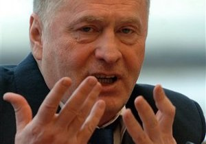 Жириновский поздравил Януковича с победой
