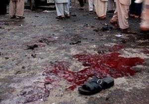 Не менее 20 человек ранены при взрывах в Пакистане