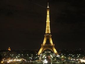 Эйфелеву башню снова перекрасят