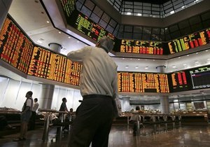 Украинские рынки незначительно снизились