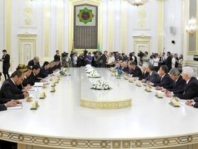 Томенко удивлен, зачем Ющенко повез в Туркменистан два самолета с музыкантами