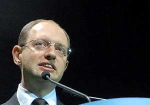 Яценюк заявил, что не договаривался с Гриценко и Тигипко о подсчете голосов на выборах