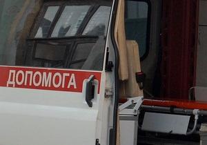 В Киеве внедорожник сбил мотороллер