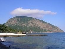 В горах Крыма спасены восемь заблудившихся туристов