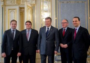 Европейские министры общались с Януковичем около трех часов - Ъ