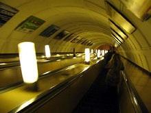 Задержан пенсионер, столкнувший двух женщин под поезд метро