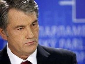Ющенко убежден, что в Украине есть проблема с украинским, а не русским языком