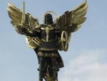 Скульптура Михаила на Майдане вызывает у Черновецкого  нехорошие эмоции