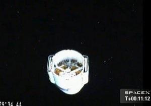 Грузовик Dragon -NASA - МКС - Экипаж МКС и специалисты NASA пристыковали Dragon к станции