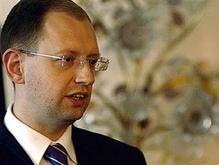 Яценюк: Вопрос членства Украины в НАТО встанет через 5-10 лет