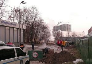 В центре Киева экскаватор взорвался, зацепив газовую трубу