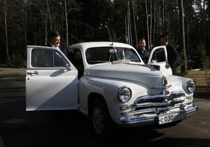 МК:  Победа  Медведева мощнее  ЛуАЗа  Януковича