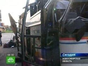 Автобус под Новосибирском мог разбиться из-за водителя, собиравшего рассыпавшиеся семечки