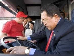 Уго Чавесу понравилось быть водителем белорусского автобуса