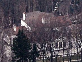 В БЮТ предлагают Януковичу выкупить резиденцию Межигорье