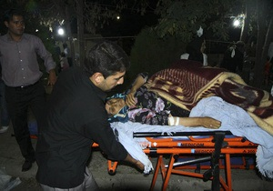 Число жертв землетрясения в Иране превысило 250 человек