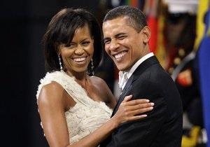 СМИ: Обама пообещал жене бросить курить ради участия в выборах президента США