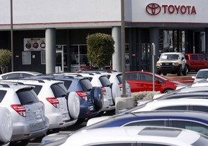 Toyota и Tesla представят новые прототипы электромобилей