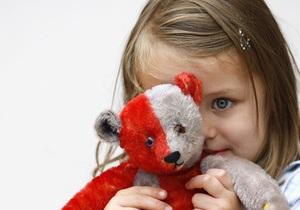 Свобода выступила против усыновления украинских детей иностранцами