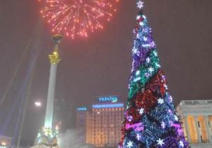 На Майдане Незалежности в присутствии Ющенко зажгли новогоднюю елку