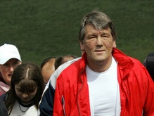 Ющенко пошел в гору: началось восхождение на Говерлу